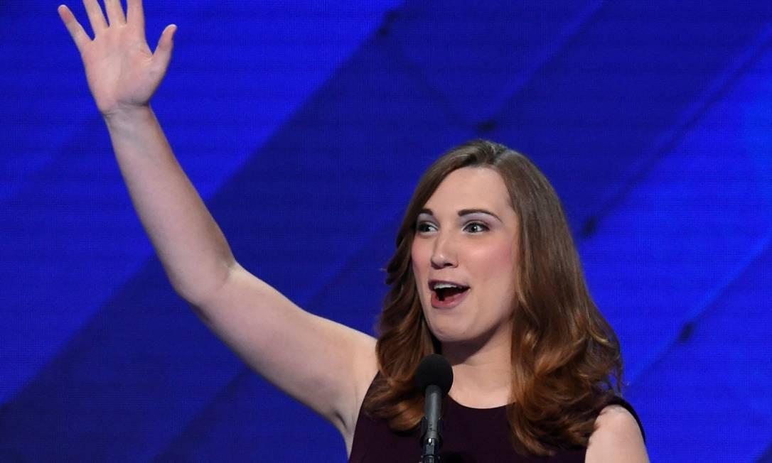 Em 2016, Sarah McBride foi a primeira mulher trans a participar da Convenção Nacional do Partido Democrata. Foto: SAUL LOEB / AFP