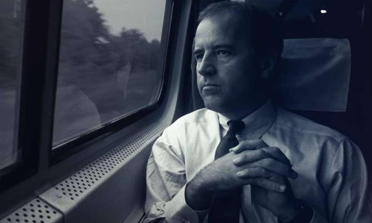 Biden em viagem de trem: trajeto diário entre Wilmington e Washington para cuidar dos filhos durante o mandato no Senado Foto: Divulgação