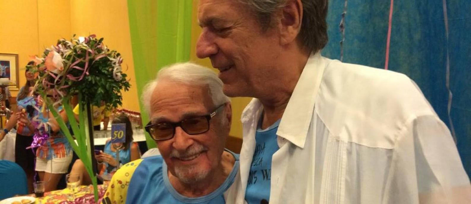 Chico Caruso e Lan, na feijoada que celebrou os 90 anos do mestre, em 2015 Foto: Arquivo Pessoal