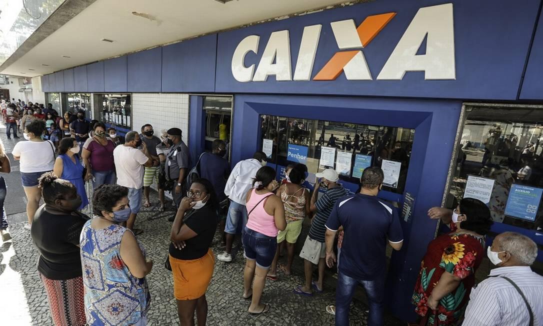 Caixa: nova linha de crédito imobiliário será corrigida pela caderneta de poupança Foto: Gabriel de Paiva / Agência O Globo
