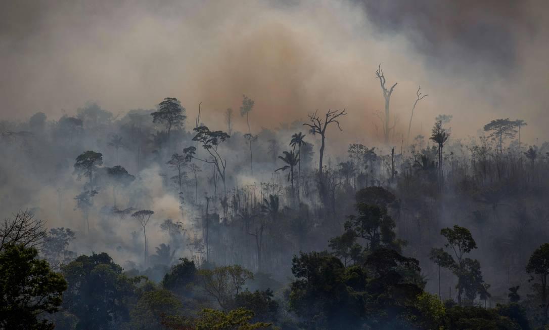 Incêndio florestal em Altamira, no Pará: especialistas avaliam que política ambiental do governo Bolsonaro comprometerá imagem do país no exterior e reputação do agronegócio Foto: João Laet/AFP/27-8-2019