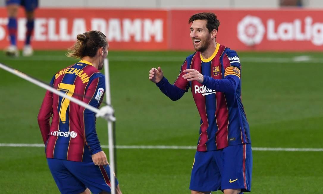 Lionel Messi deu a volta por cima para o Barcelona ao derrotar o Real Betis por 5x2