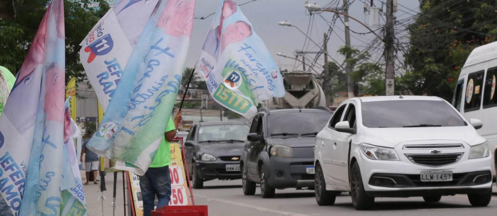 Campanha eleitoral em Valverde, que é área dominada por milícia em Nova Iguaçu Foto: Cléber Júnior / Agência O Globo