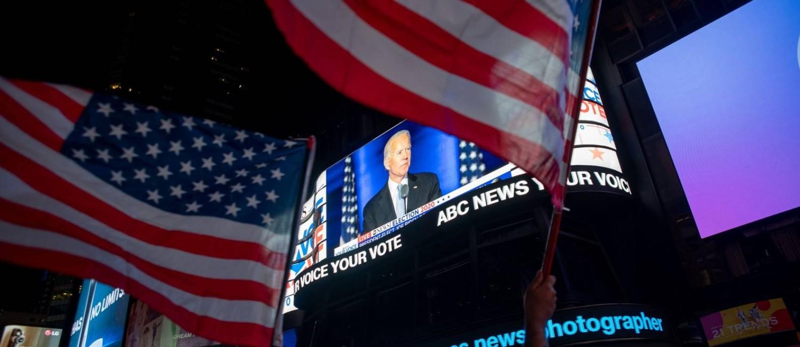 Vitória de Joe Biden impulsiona as bolsas na Ásia e na Europa nesta segunda-feira Foto: Amir Hamja / Bloomberg