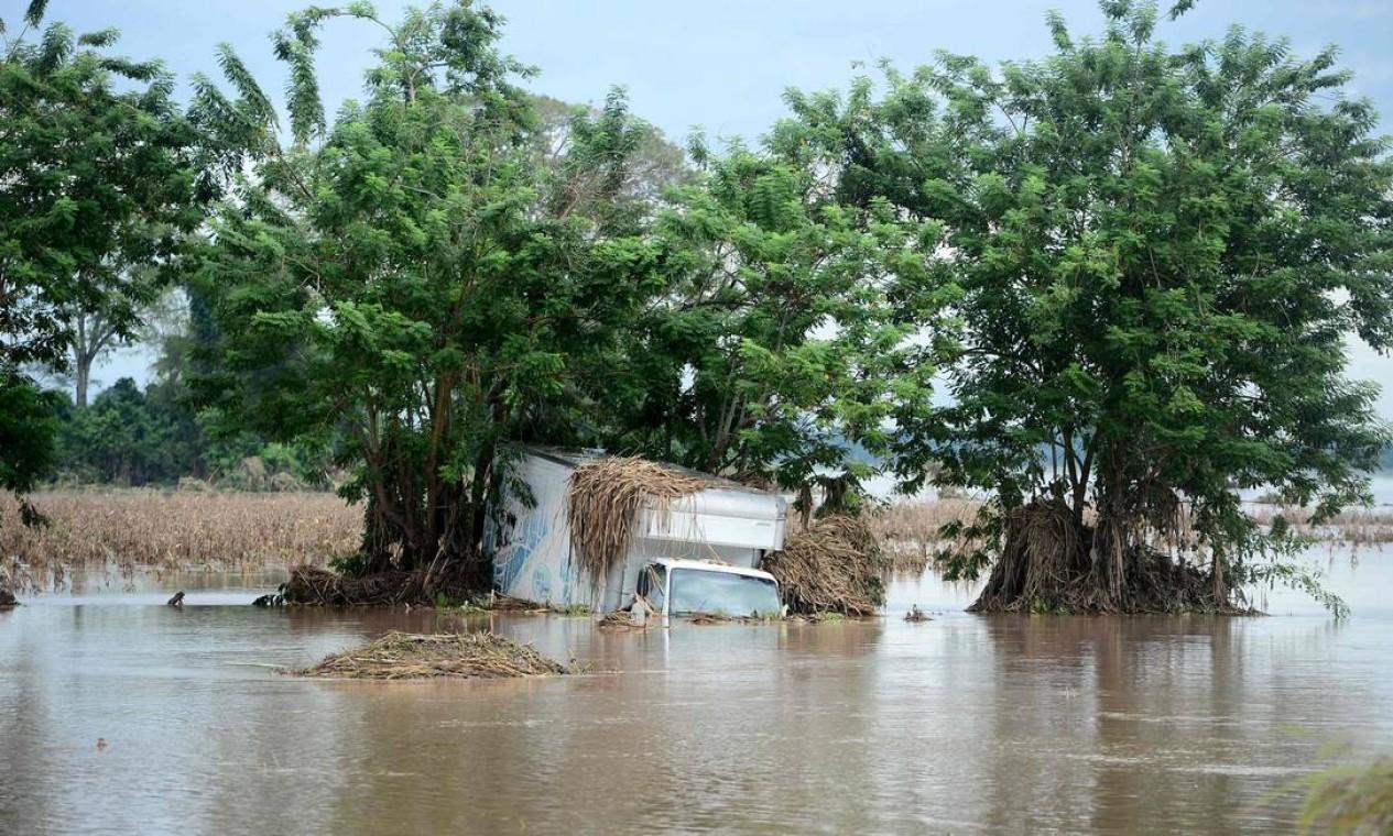 Furacão Eta causou estrago no município de La Lima, departamento de Cortes, Honduras. Dezenas de pessoas morreram ou permanecem desaparecidas devido à tempestade Foto: ORLANDO SIERRA / AFP