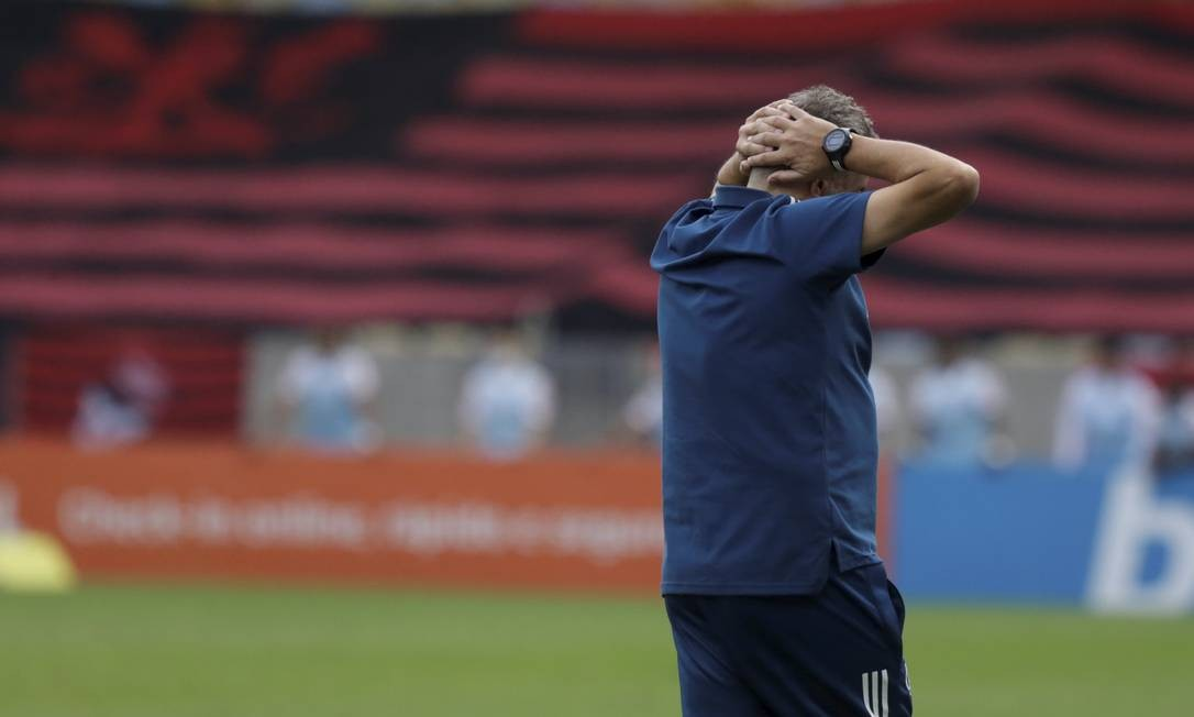 No total, foram 24 jogos, com 14 vitórias, quatro empates, seis derrotas e 63,8% de aproveitamento.  Foto: MARCELO THEOBALD / Agência O Globo
