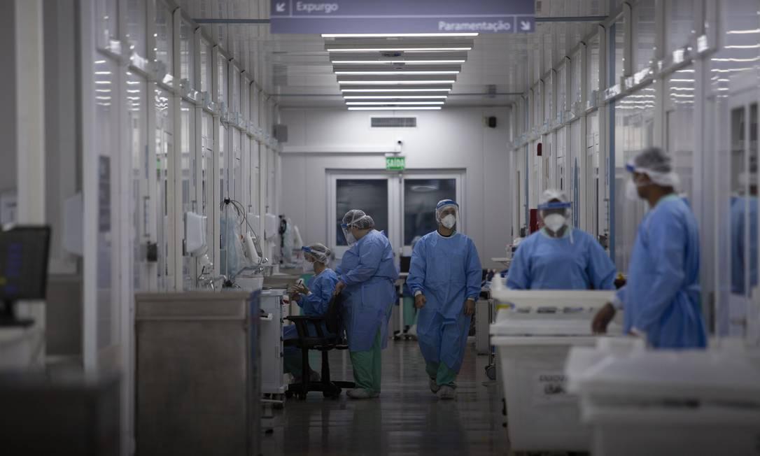 UTI do Centro hospitalar de Covid-19 do Instituto Nacional de Infectologia Evandro Chagas, na Fundação Oswaldo Cruz Foto: Gabriel Monteiro / Agência O Globo
