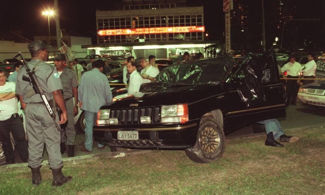 O assassinato de Paulinho de Andrade, em 1998, deu início a uma série de execuções pelo controle de pontos do bicho Foto: Fernando Quevedo 21-10-1998 / Agência O Globo