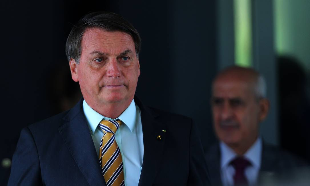 O presidente Jair Bolsonaro deixa o Ministério da Defesa, após almoço Foto: Jorge William/Agência O Globo