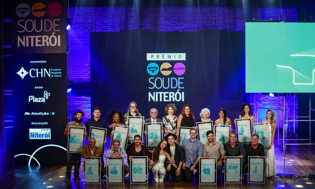 Vencedores da edição 2019 do prêmio Sou de Niterói Foto: Marcelo de Jesus / Agência O Globo