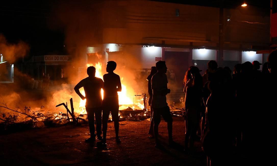 Moradores do bairro Santa Rita, em Macapá, protestam contra a falta de energia Foto: Rudja Santos / Amazônia Real