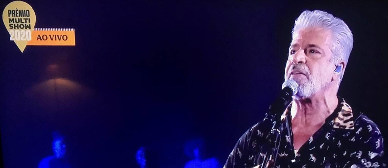 Lulu Santos canta 'A cura' no palco do Prêmio Multishow Foto: Reprodução