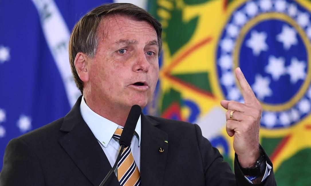 O presidente Jair Bolsonaro em pronunciamento no Palácio do Planalto na última terça-feira, dia 10: presidente se engajou na campanha eleitoral a poucos dias do primeiro turno Foto: EVARISTO SA / AFP