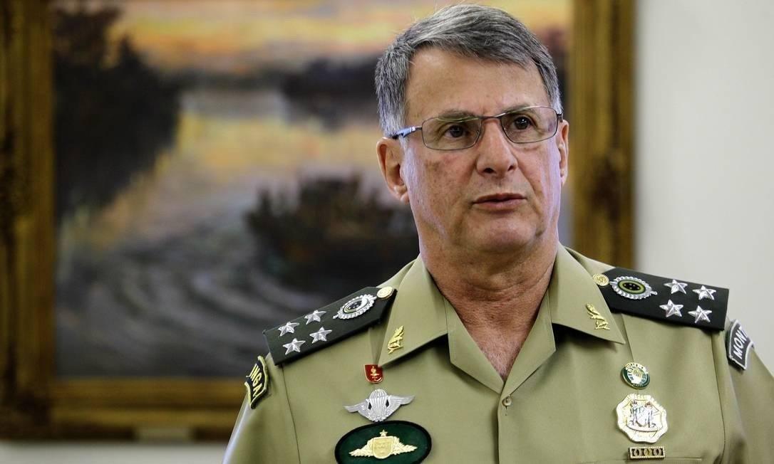 General Edson Pujol, comandante do Exército Foto: Jorge William/Agência O Globo