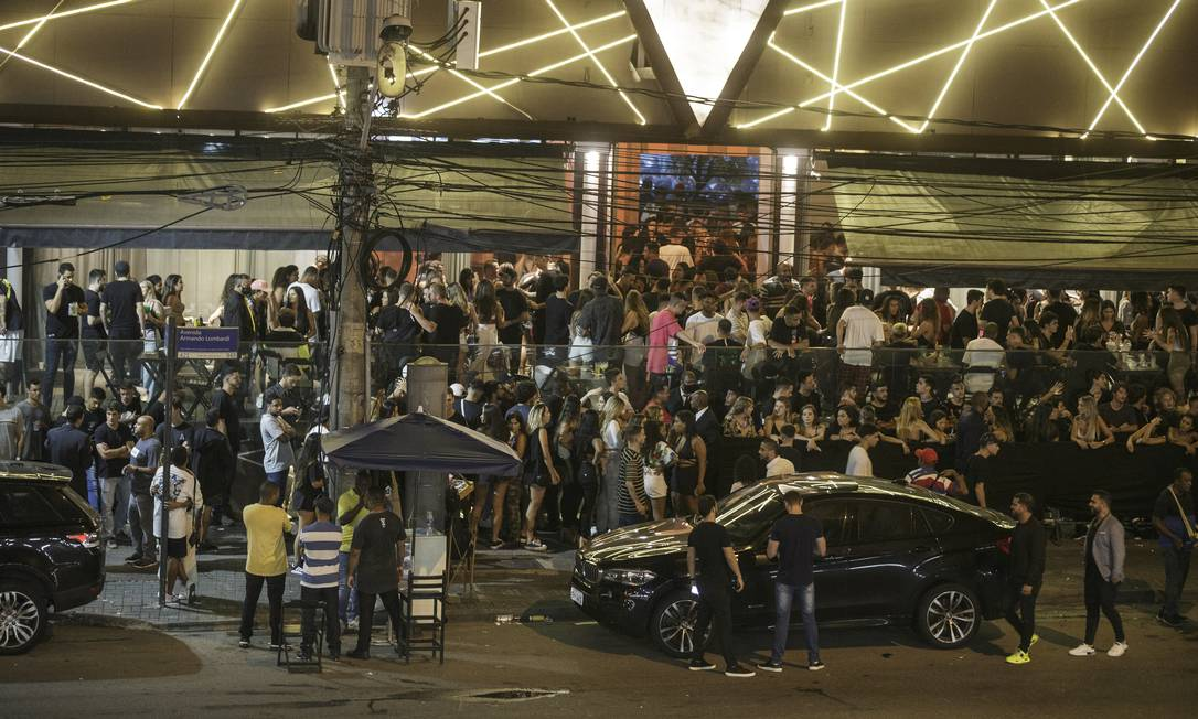 Boate lotada, em 10 de outubro, na Barra da Tijuca, Zona Oeste do Rio Foto: Alexandre Cassiano/10.10.2020 / Agência O Globo
