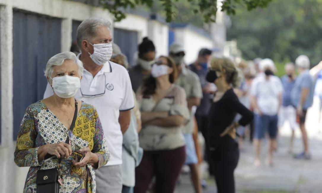 Idosos possuem preferência para votar no horário entre 7h e 10h Foto: Domingos Peixoto / Domingos Peixoto
