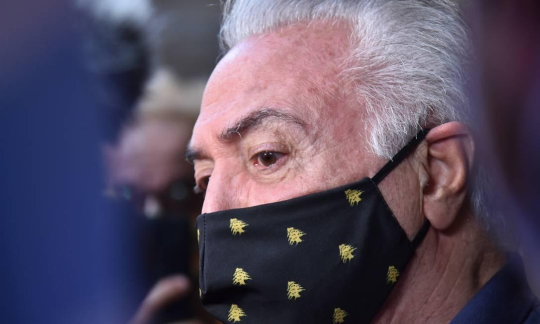 Ex-presidente Temer escolheu máscara com símbolo do Líbano Foto: Fotoarena / Agência O Globo