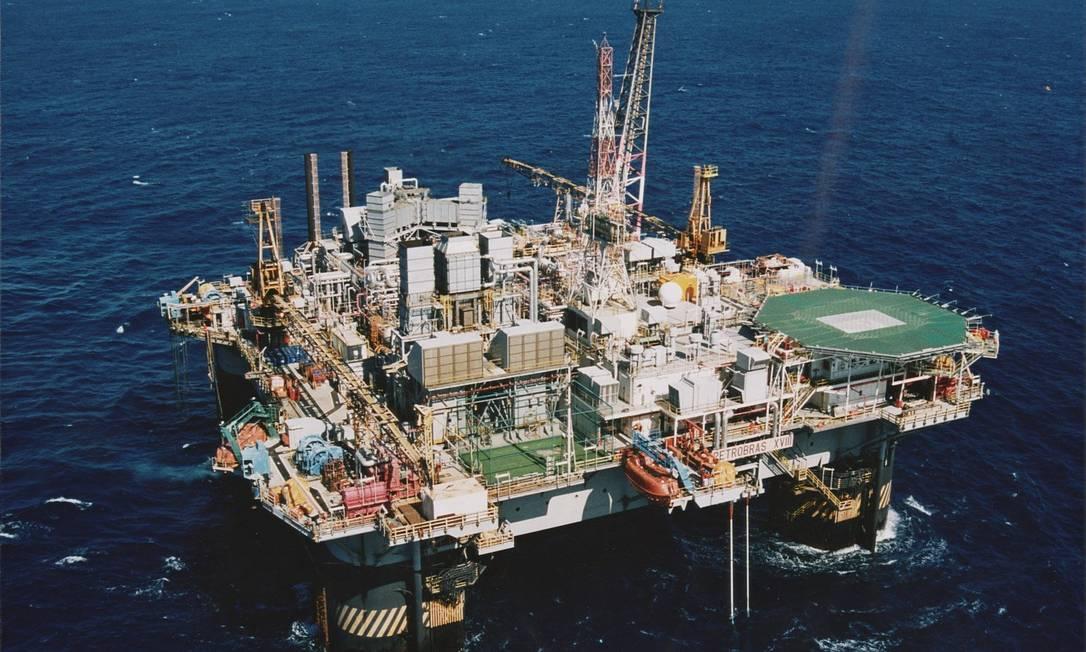 Petrobras diz que pretender vender metade dos 100% que detém nas concessões de campos de exploração de petróleo como o de Marlim, Foto: Divulgação/Eliana Fernandes