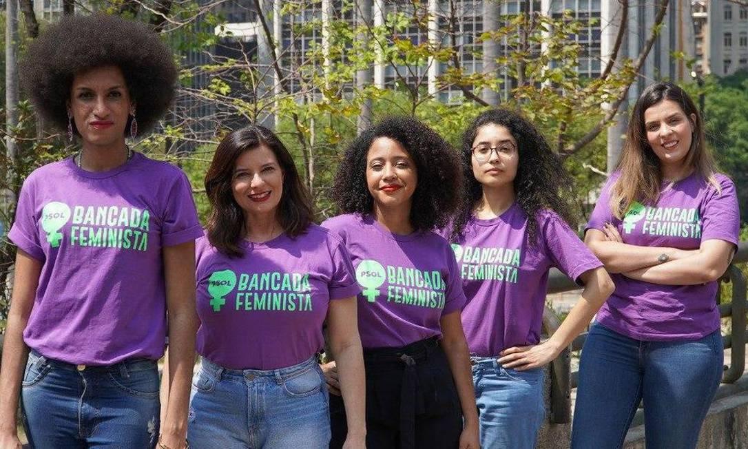 Representantes da bancada feminista, segundo mandato feminino mais votado na cidade: Silvia Ferraro, Natalia Chaves, Dafne Sena, Paula Nunes e Carolina Iara Foto: Divulgação