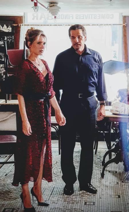 Os atores Karin Roepke e Edson Celulari durante gravação de um curta na Casa Villarino em 21/03/2019 Foto: Reprodução Instagram