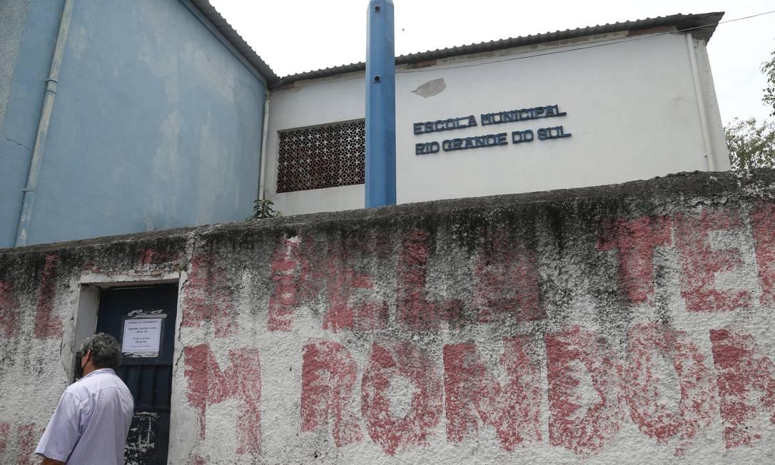 Escola Municipal Rio Grande do Sul, no Engenho de Dentro não retomou as aulas Foto: Pedro Teixeira / Agência O Globo