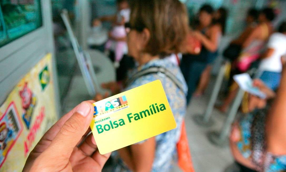 Cartão do Bolsa Família Foto: Agência O Globo