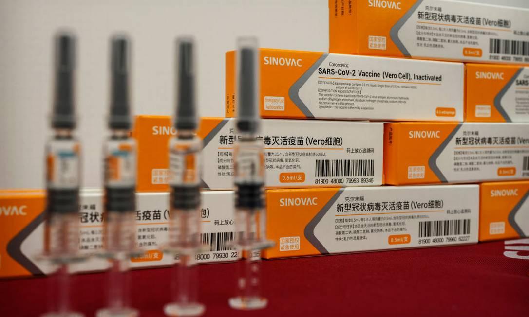Vacinas CoronaVac, já embaladas, em fábrica da Sinovac em Pequim Foto: Kevin Frayer / Getty Images