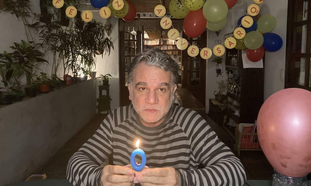 O ator e diretor Eduardo Moreira em cena de 'Histórias de confinamento' Foto: Divulgação