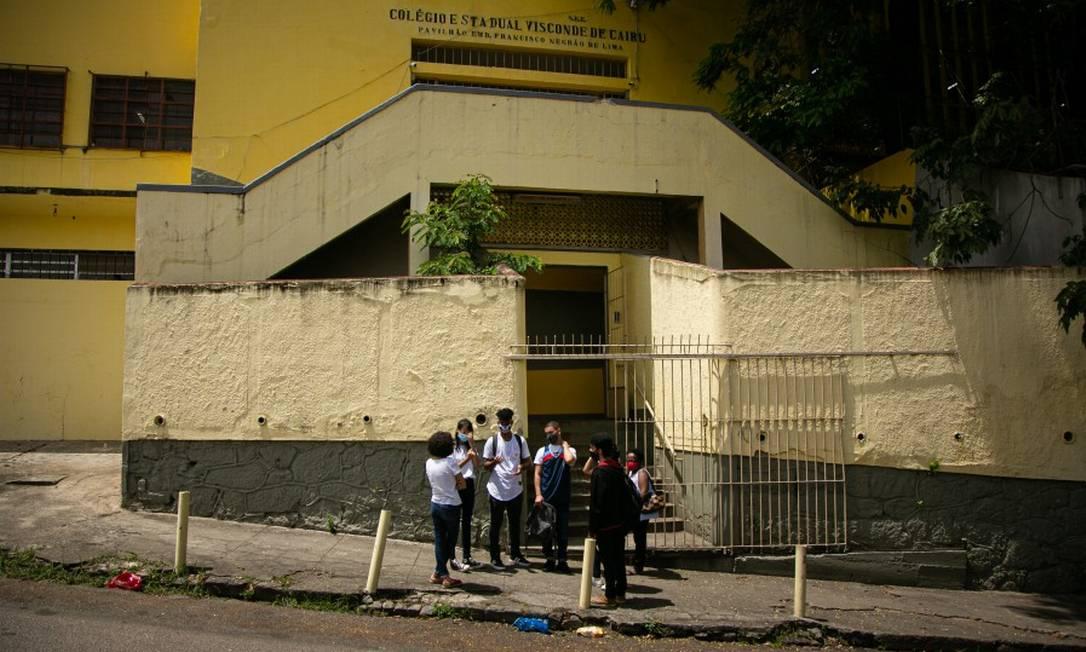 No Rio, houve pouca adesão dos alunos no volta às aulas da rede estadual Foto: Hermes de Paula / Agência O Globo