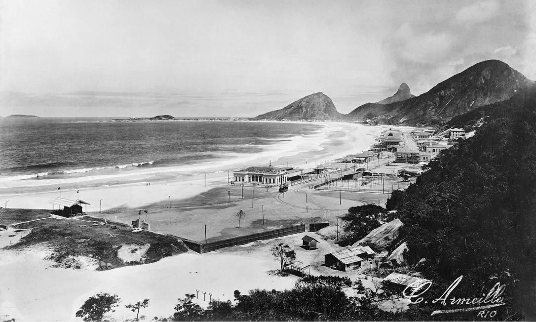 Vista das praias de Copacabana e Leme Foto: C. Armeilla