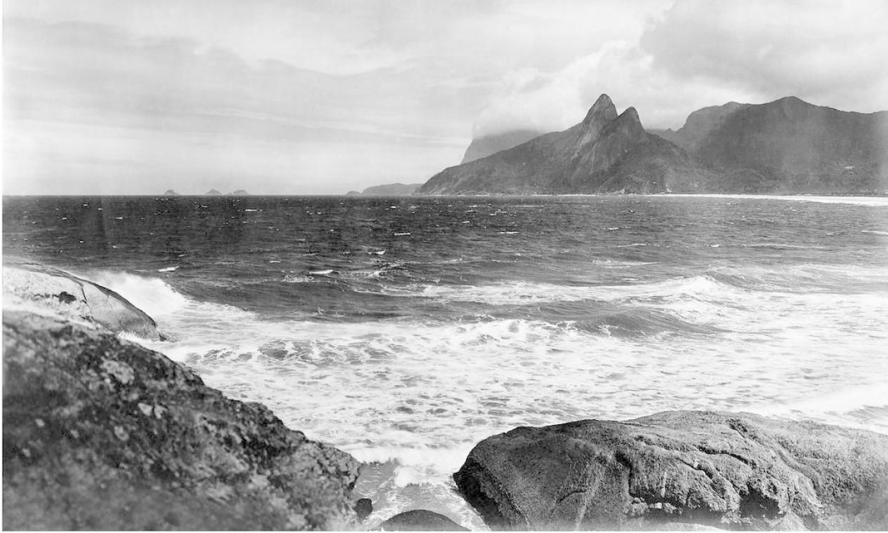 Vista tomada da Pedra do Arpoador Foto: C. Armeilla