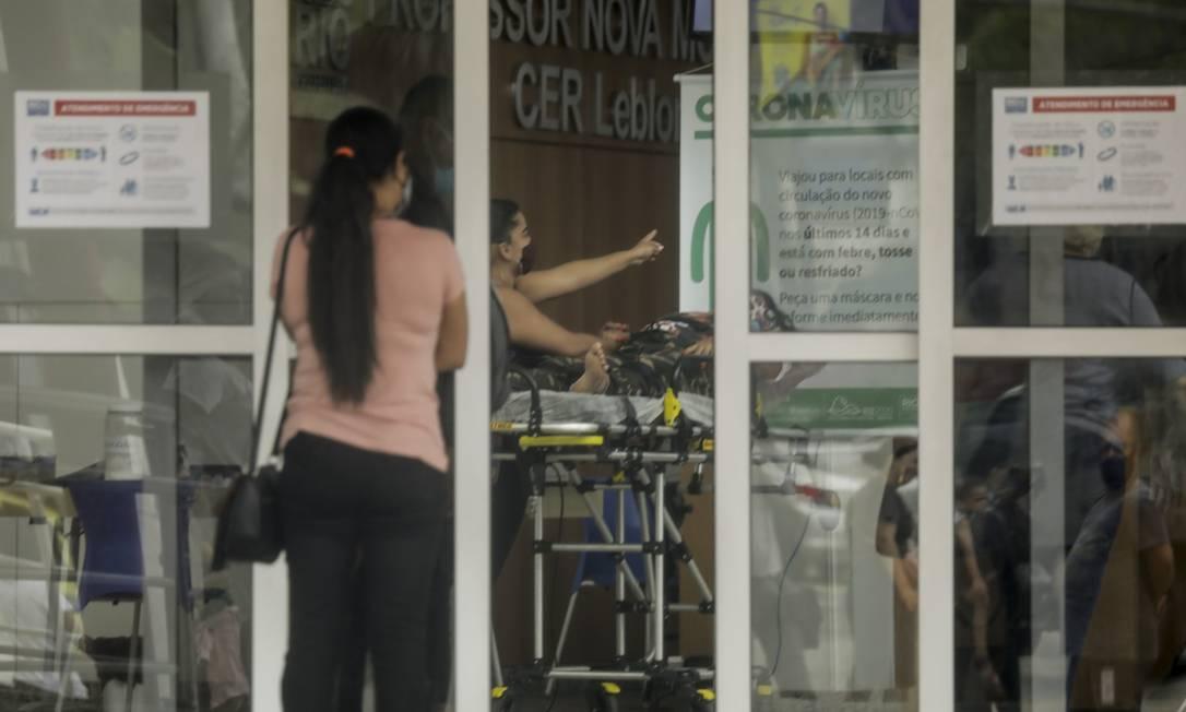 CER Leblon, nesta quarta-feira: paciente com suspeita de Covid-19 é avaliada na unidade Foto: Gabriel de Paiva em 18-11-2020 / Agência O Globo