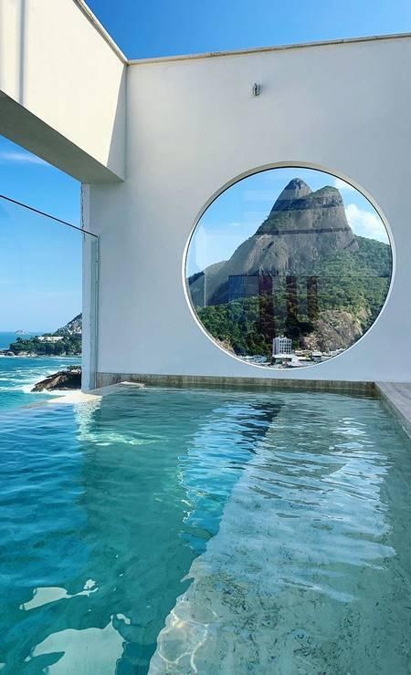 Piscina do Janeiro Hotel, no Leblon Foto: Divulgação