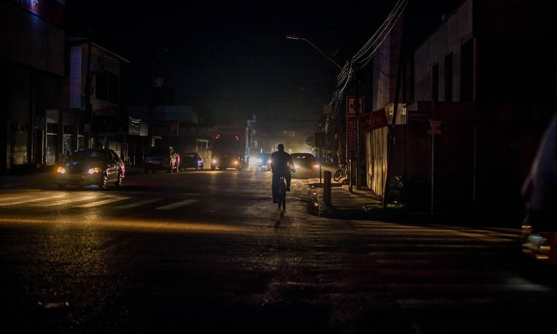 Ruas de Macapá durante o blecaute Foto: Fotoarena / Agência O Globo