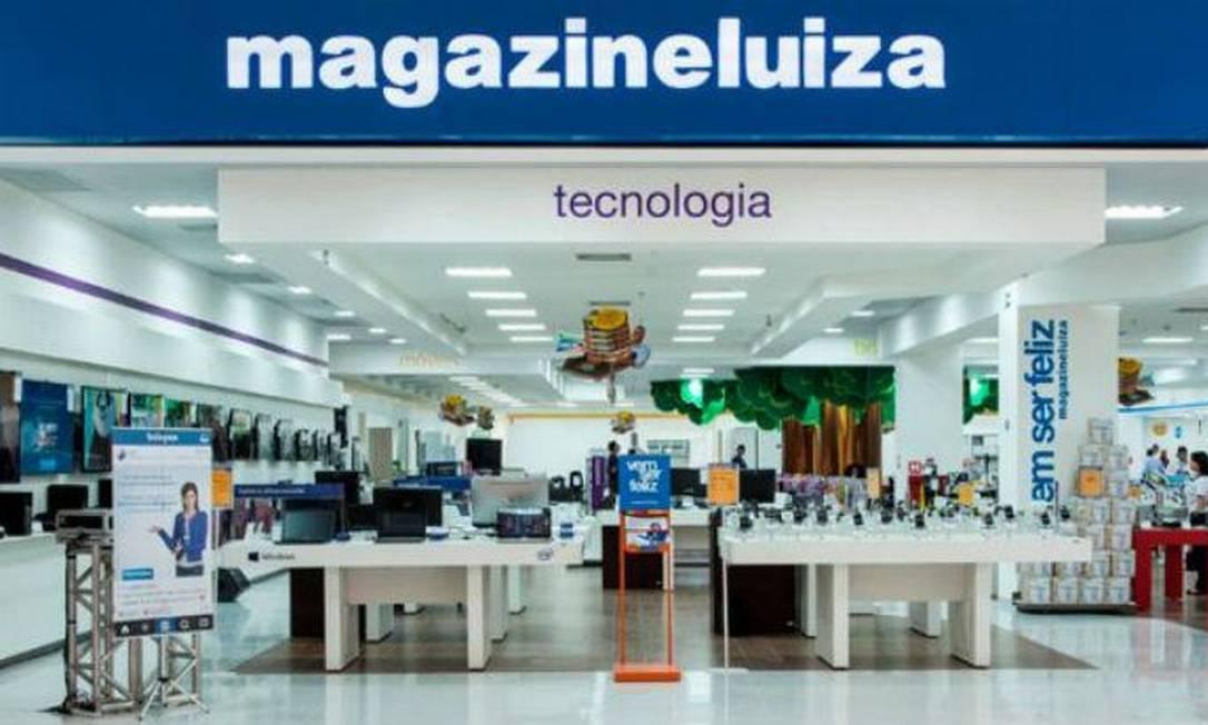 Loja do Magazine Luiza: empresa provocou reações ao criar um programa de trainees só para negros Foto: Divulgação / Agência O Globo
