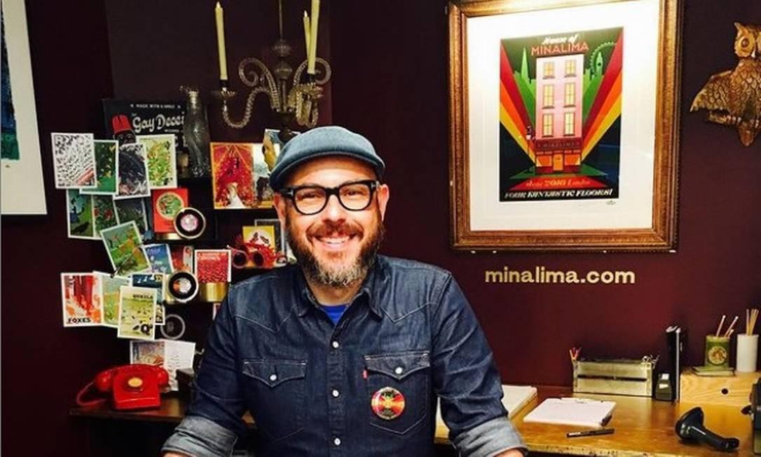 Eduardo Lima, que comandou o design do novo livro ilustrado de Harry Potter Foto: Reprodução/Instagram
