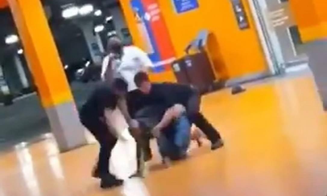 João Alberto Silveira Farias foi espancado até a morte por seguranças de supermercado de Porto Alegre Foto: Reprodução