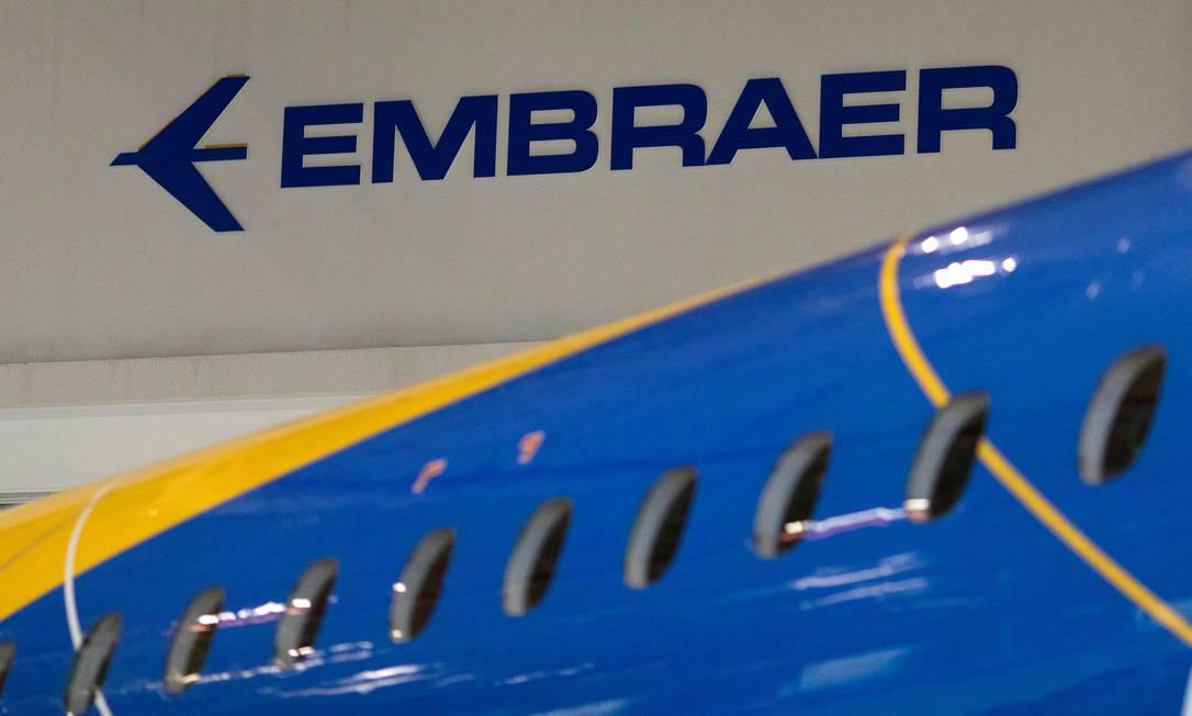 Avião da Embraer em São Paulo Foto: Roosevelt Cassio / Reuters