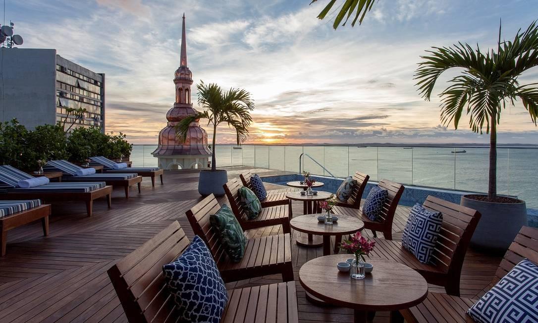 Rooftop do Fera Palace Hotel, em frente à Baía de Todos os Santos, em Salvador Foto: Divulgação