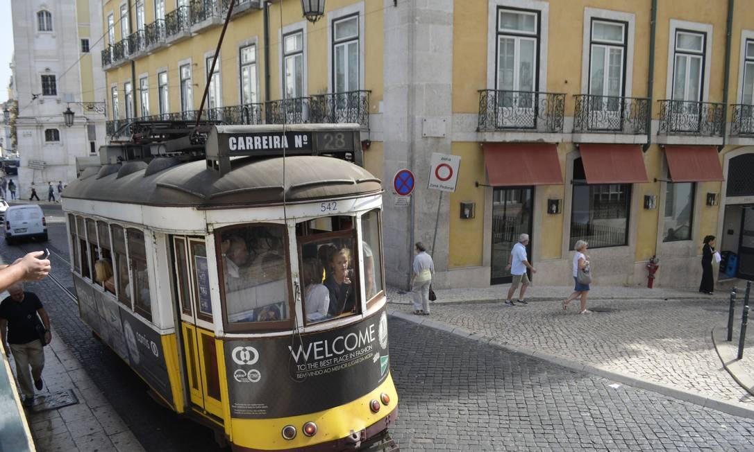 Praça Luis de Camões, em Lisboa, Portugal Foto: Cristina Massari