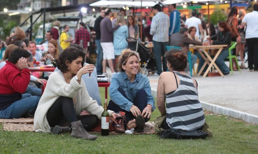 Piquenique na área externa: uma das atrações do evento Foto: Cecilia Acioli / Agência O Globo
