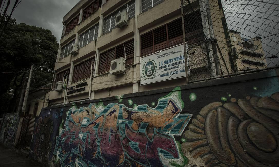 Segundo levantamento do Sepe, Escola Municipal Soares Pereira teve dois casos de Covid; diretor da unidade teve alta do hospital neste sábado Foto: Guito Moreto / Agência O Globo