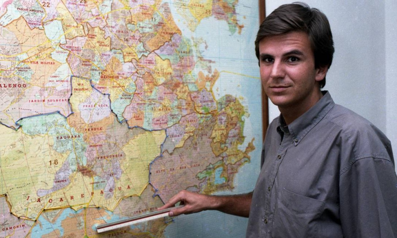 Em março de 1993, Paes como subprefeito da Zona Oeste Foto: Ari Lago / Agência O Globo