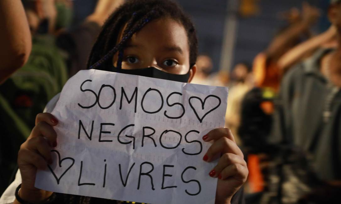O assassinato de João Alberto Freitas em uma unidade da rede Carrefour gerou onda de protestos em várias cidades do país Foto: SILVIO AVILA / AFP