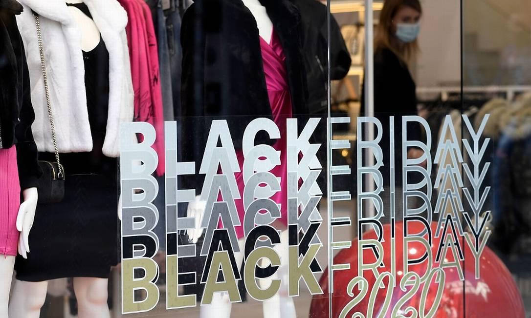 Black Friday: descontos menores Foto: GABRIEL BOUYS / AFP