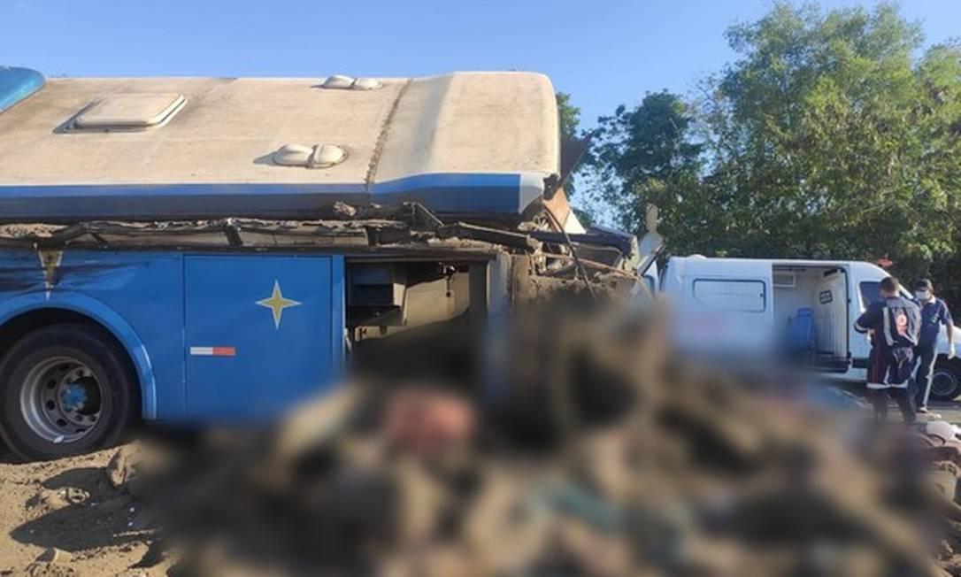 Choque aconteceu na Rodovia Alfredo de Oliveira Carvalho, em Taguaí (SP). Foto: Reprodução