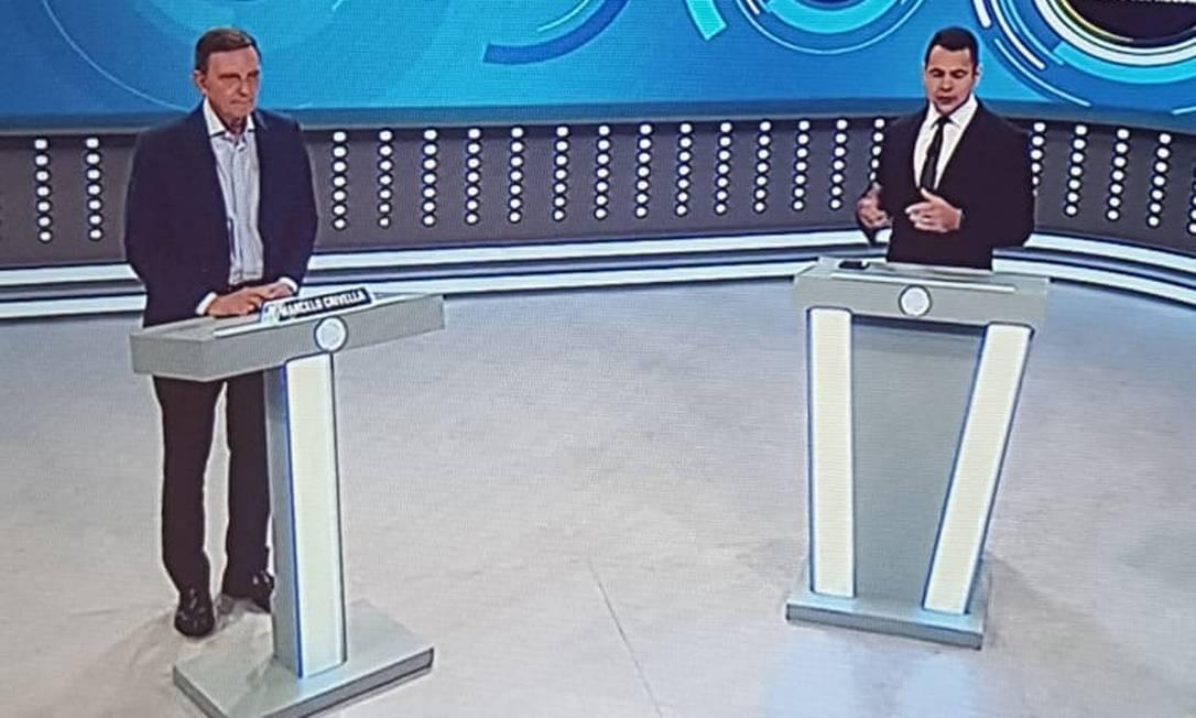 Crivella é entrevistado na TV Record Foto: Reprodução