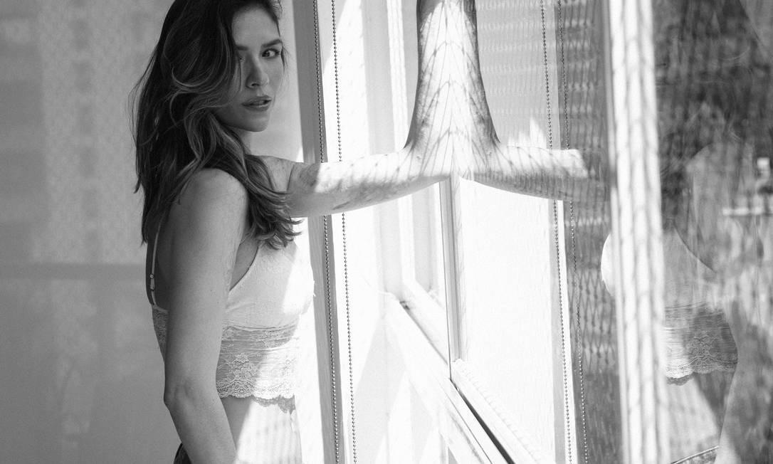 Antônia Marcondes Ferraz | Produção: Marcelo Feitosa | Beleza: Walter Lobato Foto: Brunno Rangel