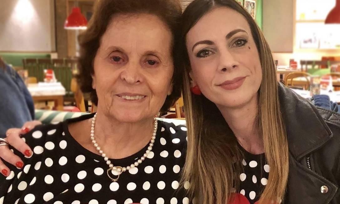 A médica Rosa Célia e a especialista em moda Paula Acioli Foto: Divulgação/Camila Uchôa