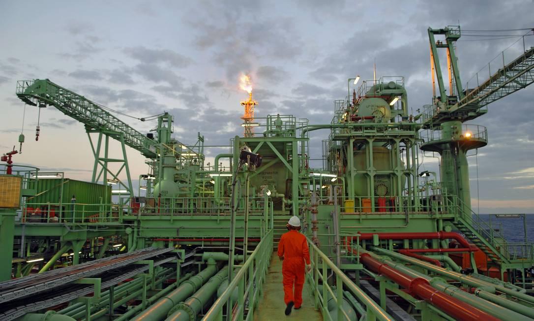 Pré-sal. Plataforma da Petrobras: Guedes quer antecipar receita do petróleo Foto: Divulgação